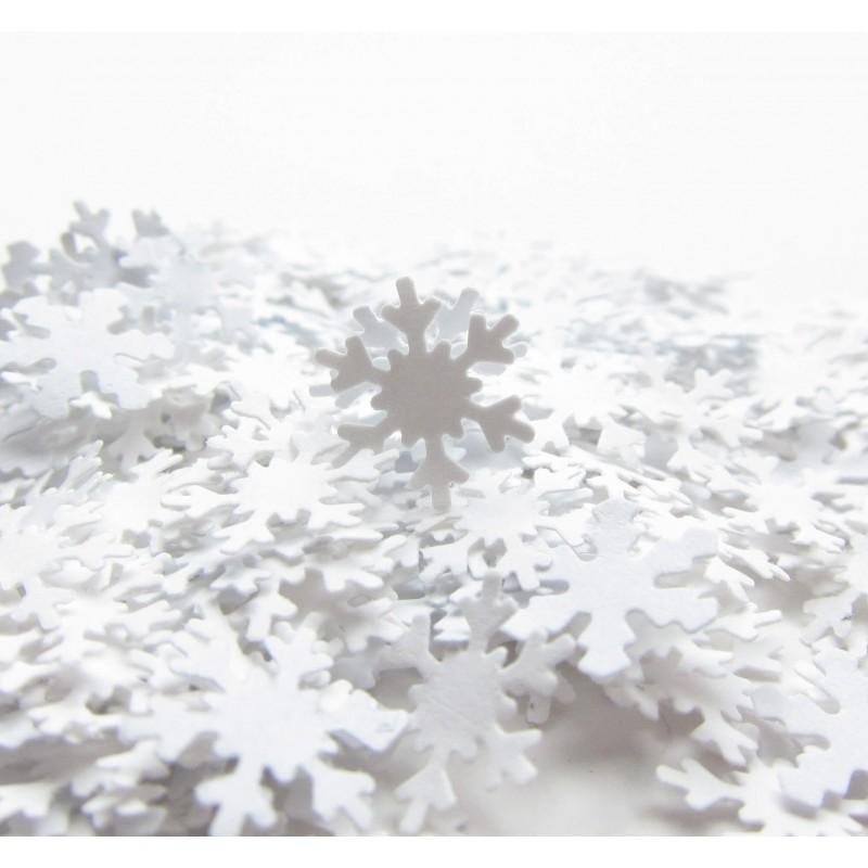 Décoration Hiver avec des confettis flocons