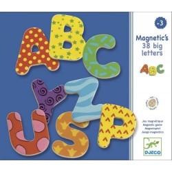 38 grandes lettres magnétiques - Djeco